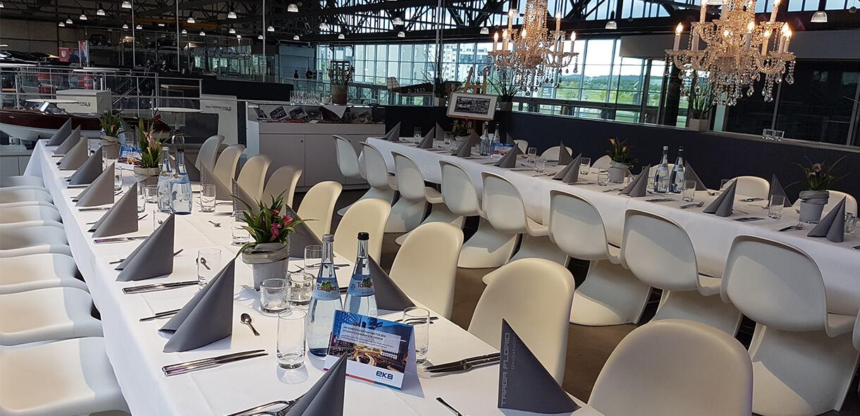 Round Table Abendessen in außergewöhnlicher Location